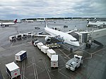 Alaska Airlines N481AS at Anchorage, Aug 2016.jpg