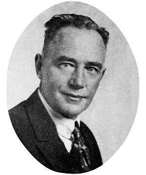 Heinrich Albert (guitarist) - Heinrich Albert (1870–1950), German guitarist and composer, around 1920