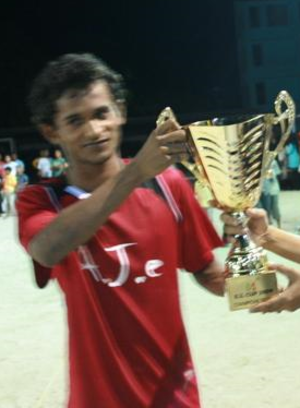 Ali Fasir - Ali Fasir holding the RED WAVE CUP 2007 champion trophy