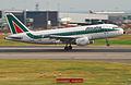 Alitalia Airbus A319-112; I-BIMO@LHR;05.06.2010 576nb (4690898451).jpg