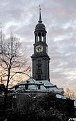 Chiesa di San Michele. La chiesa è tra i luoghi presenti nel film La gabbianella e il gatto. Il campanile è il luogo da cui la gabbianella Fifì spiccherà il volo alla fine del film.