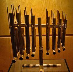 Angklung del Museu de la Música de Barcelona.jpg