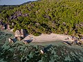 Anse Source d'Argent beach aerial La Digue, Seychellen (39587432402).jpg