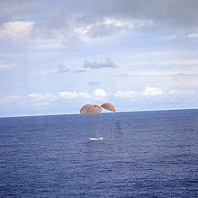 Apollo13 splashdown.jpg