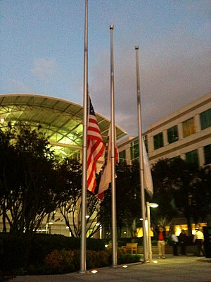 Steve Jobs - Flags flying at half-staff outside Apple HQ in Cupertino, on the evening of Steve Jobs's death