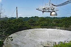 Arecibo Radiotelescopio SJU 06 2019 7472.jpg