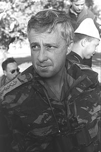Ariel Sharon OC Northern Command 1964.jpg