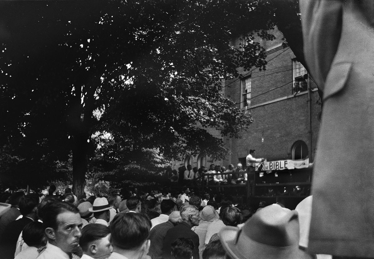 the scopes trial The scopes trial, formally known as the state of tennessee v john thomas scopes and commonly referred to as the scopes monkey trial, was an american legal case in july 1925 in which a substitute high school teacher, john t scopes, was accused of violating tennessee's butler act.