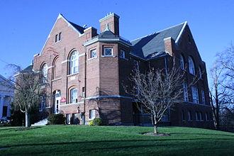 Bridgewater State University - The Art Center