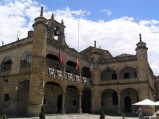 Ayuntamiento. Vista desde la Plaza Mayor 02.jpg