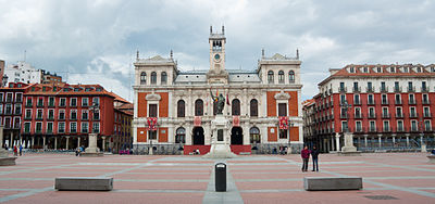 Valladolid City Hall in Plaza Mayor, the seat of the City Council of Valladolid. Ayuntamiento de la ciudad en la Plaza Mayor de Valladolid.jpg
