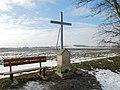 Bílý kříž severovýchodně od Lán (Q107162578).jpg