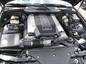 BMW 7 Series (E32) - M60 V8 engine