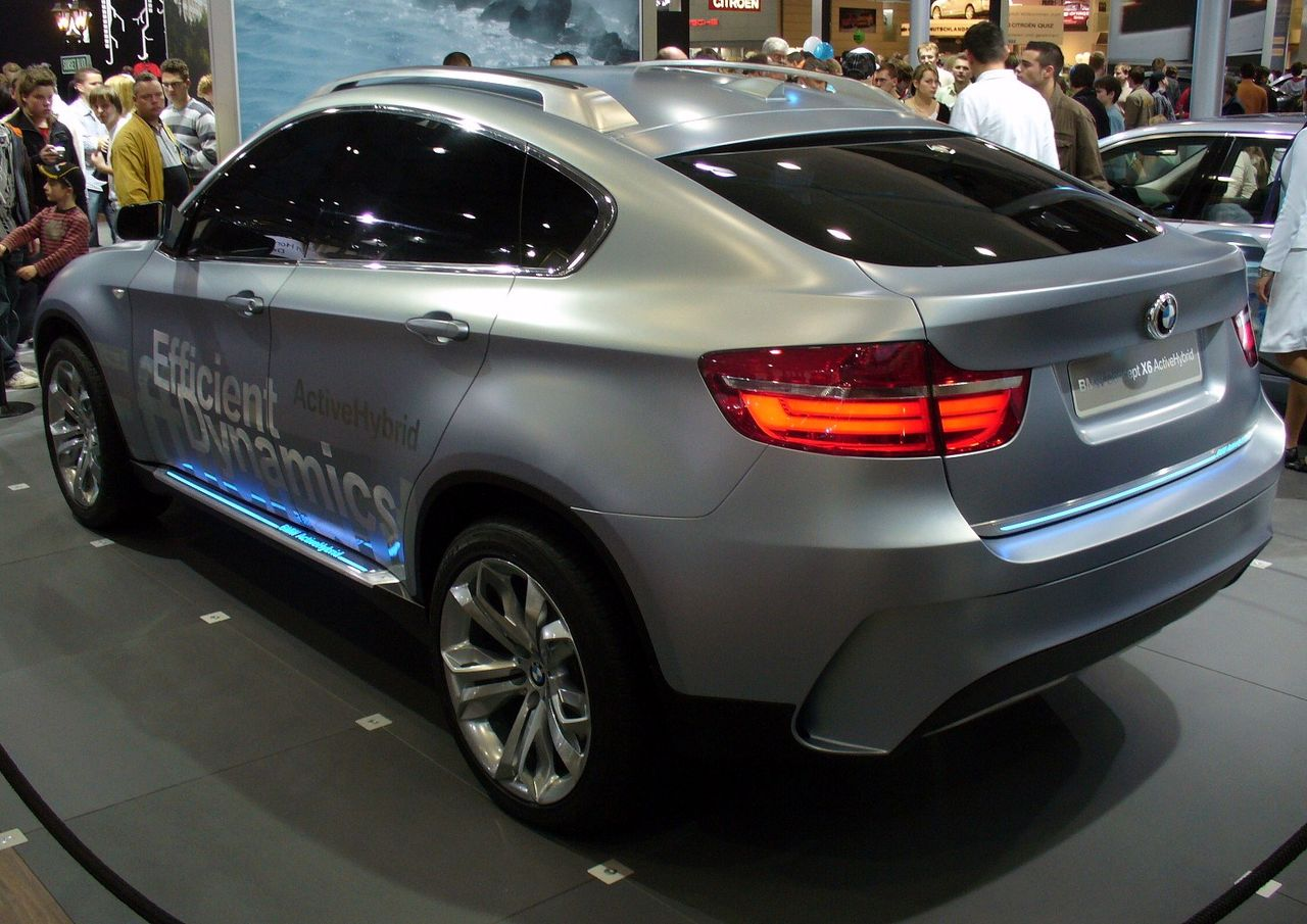 File:BMW Concept X6 Active Hybrid 1.JPG - Wikimedia Commons