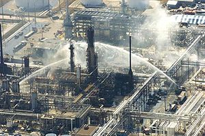 Oil refinery - Fire-extinguishing operations after the Texas City Refinery explosion.