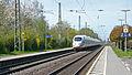 Bahnhof Empel-Rees 14 Durchfahrt ICE.JPG