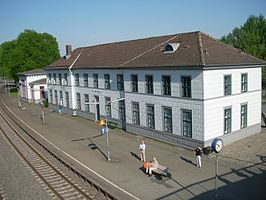 Stationsgebouw in 2011
