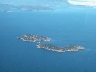 Ballenas Island Light - Ballenas Island Light, far side of upper island