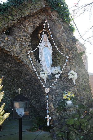 May devotions to the Blessed Virgin Mary - Marian devotion of Rosary