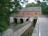 Barrage 1 Avesnes-sur-Helpe.JPG
