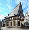 Beeindruckend Schnitzarbeiten schmücken das Haus Brusttuch aus dem Jahr 1521. 05.jpg