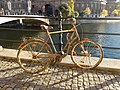 Bicicleta abandonada en calle Strömgatan.jpg