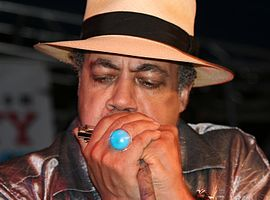 Billy Branch (blues musician) 2.jpg