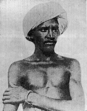 Birsa Munda - Image: Birsa Munda, photograph in Roy (1912 72)