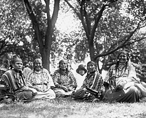 Blackfeet women at White House, 6-7-23 LOC npcc.08852 (cropped).jpg