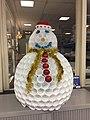 Bonhomme de neige à la concession Peugeot de La Boisse.jpg