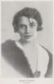 Borghild Klouman - portrettfoto i Vaarkatten 1917.png