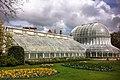 Botanic Gardens greenhouse - panoramio.jpg