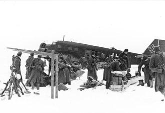 Demyansk Pocket - Image: Bundesarchiv Bild 101I 003 3445 33, Russland, Lufttransport mit Junkers Ju 52