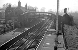 Burnham on crouch rail station 1940145 a0c3fec5.jpg