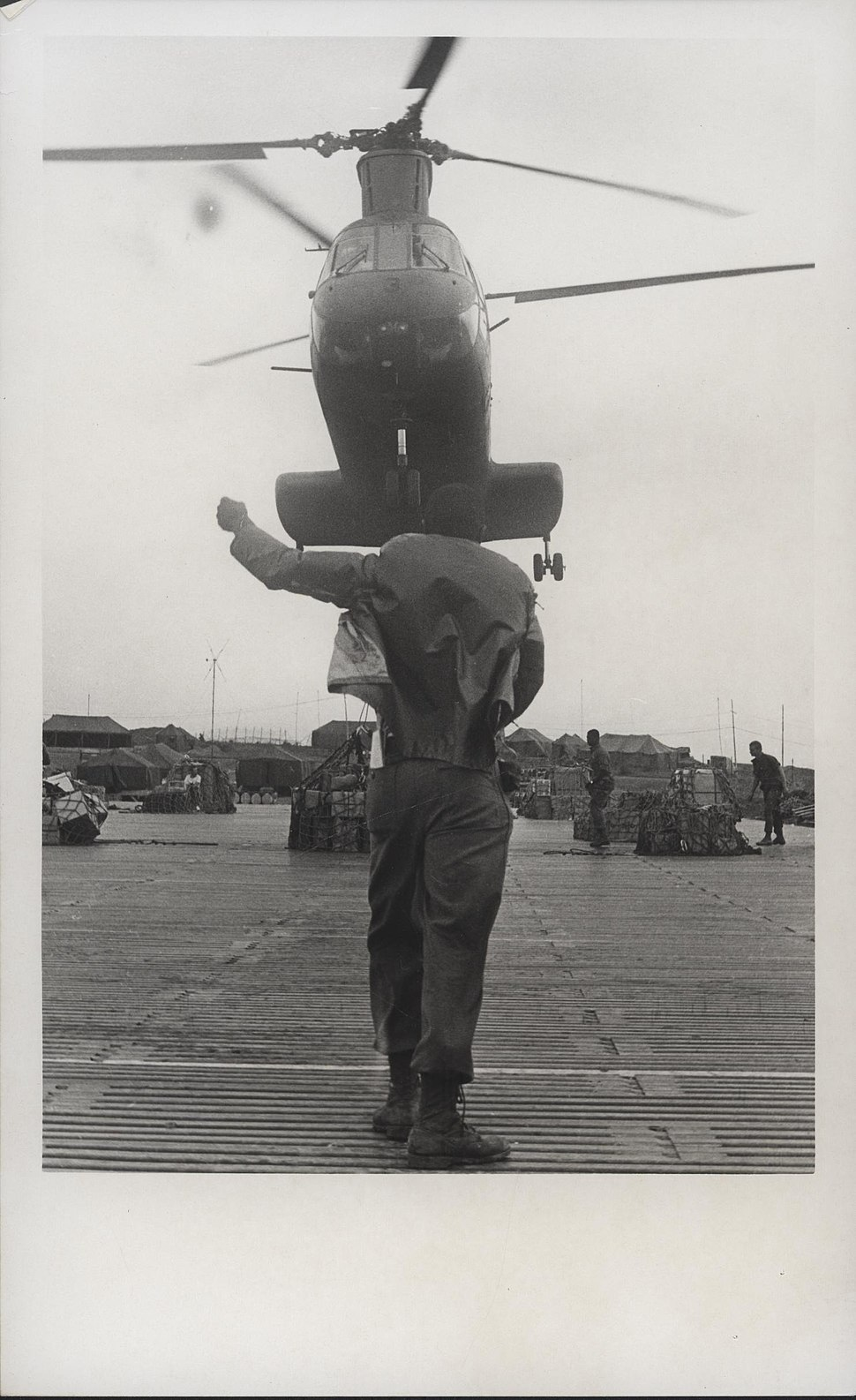 CH-46 Transport Helicopter, 1968 (14994498289)
