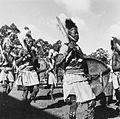 COLLECTIE TROPENMUSEUM Luo dansers in krijgskostuum tijdens de Eldoret Agricultural Show TMnr 20014317.jpg