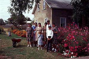 Canadian Mexicans - Mennonite family in Cuauhtémoc, Chihuahua