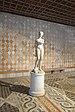 Ca d Oro statua di Flora marmo di Carrara Venezia.jpg