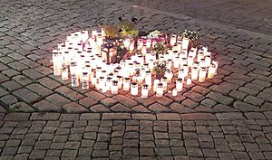 2017 Turku stabbing - Candles at the Turku Market Square a few hours after the incident
