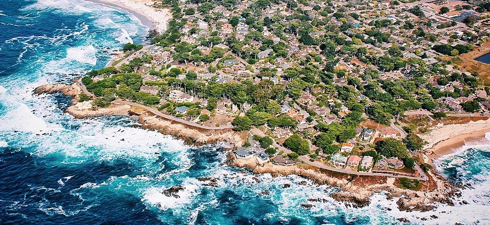 Carmel by the Sea Coastline (Unsplash) (cropped)