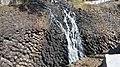 Cascada sobre los prismas basalticos.jpg