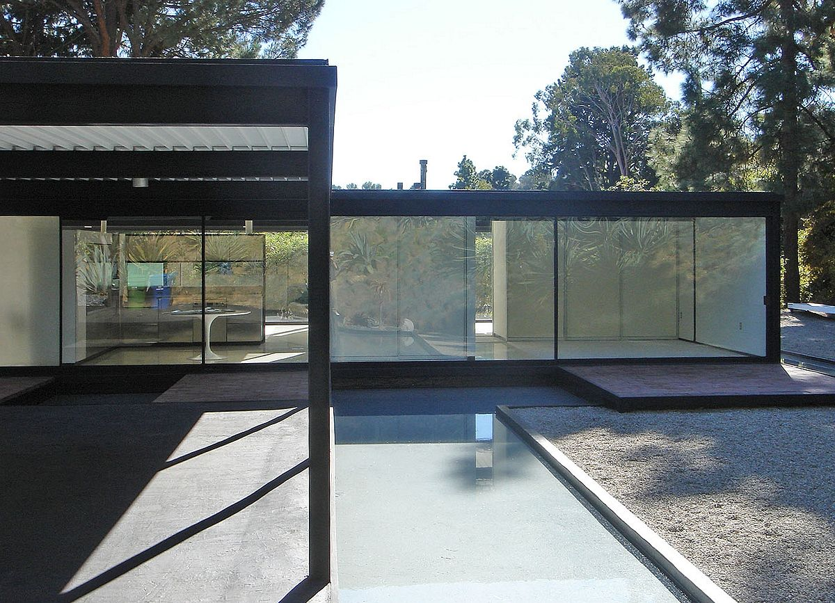 study case house Bailey house, case study house no 21 by pierre koenig architect, at los  angeles, california, 1956 to 1958, architecture in the great buildings online.