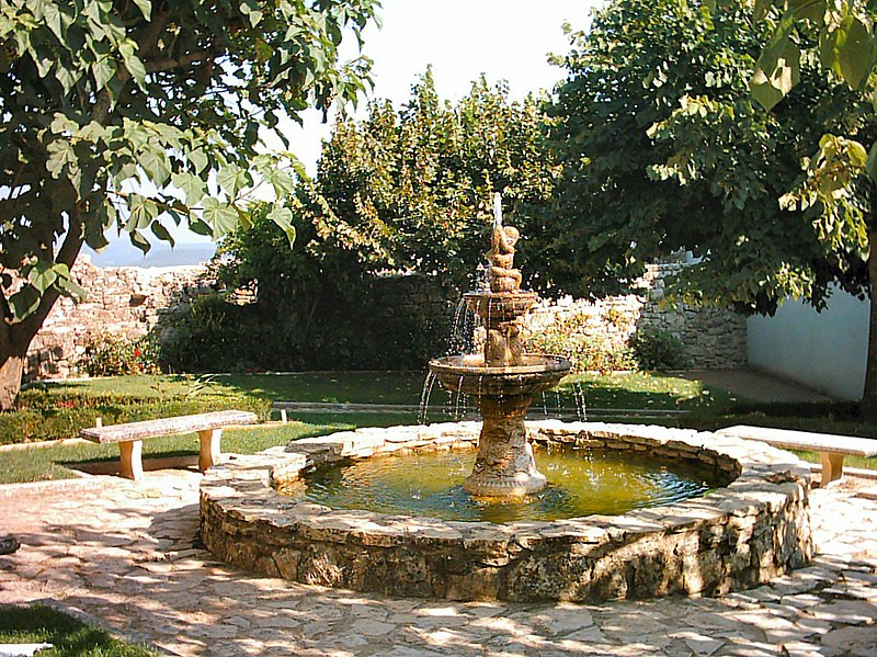 Image:Castelo de Ourém (1).JPG