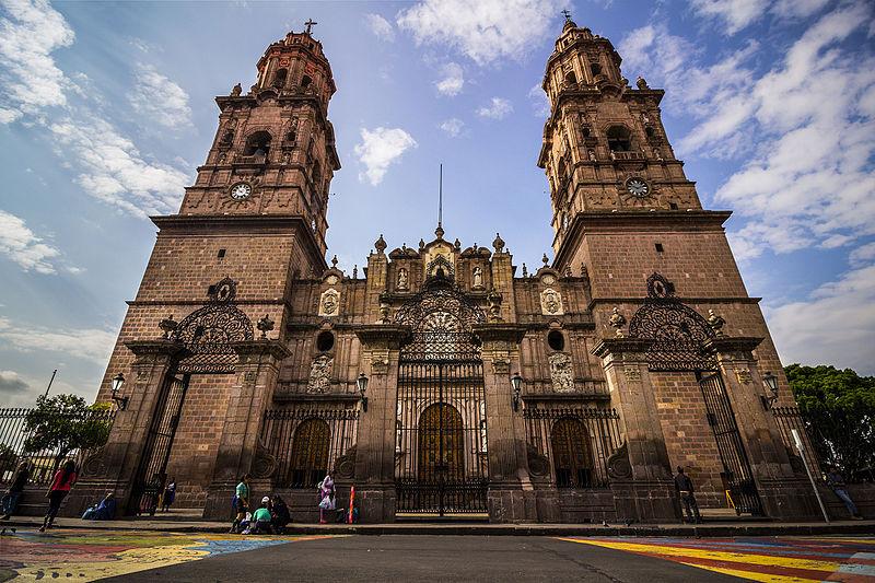 File:Catedral de more.jpg
