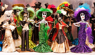 Papier-mâché - Papier-mâché Catrinas, traditional figures for day of the dead celebrations in Mexico