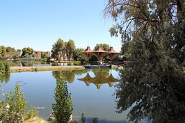 Westkant van het Central Park in California City