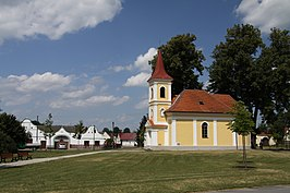 Chapel in Luznice village in summer 2011 (3).JPG