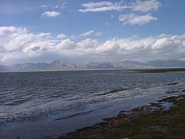 Chatyr kul lake.JPG