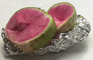 Daikon - Sliced watermelon radish