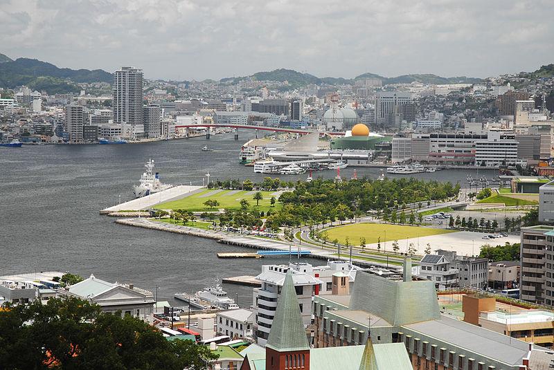 800px-Cityscape_of_Nagasaki%2C_Nagasaki_Prefecture%2C_island_of_Kyushu%2C_Japan..jpg